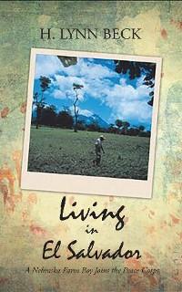 Cover LIVING IN EL SALVADOR