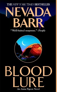 Cover Blood Lure (Anna Pigeon Mysteries, Book 9)